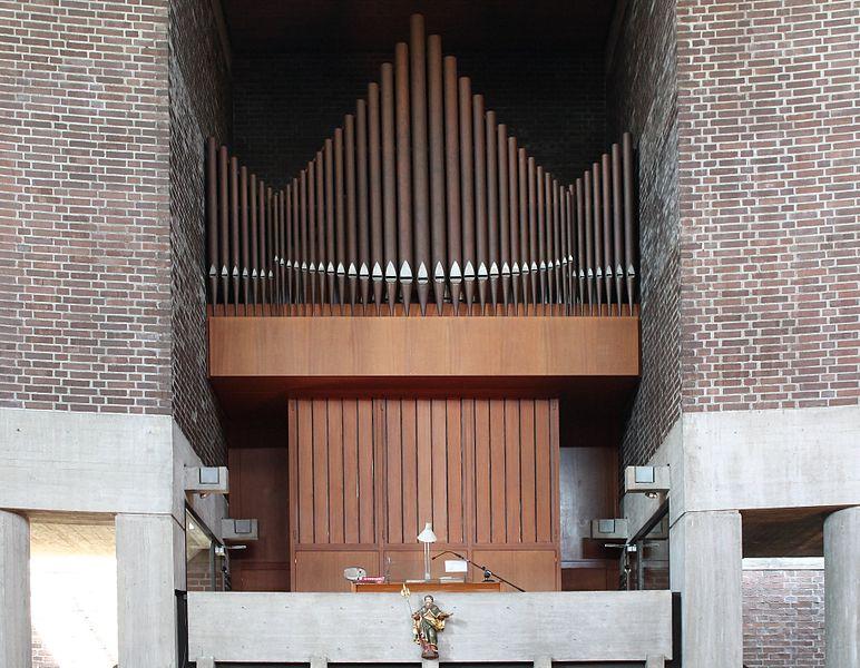 File:Muenchen St Matthias Orgel.jpg