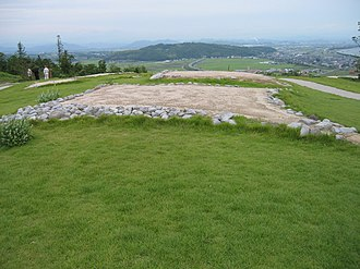 Mukibanda Yayoi remains - Image: Mukianda remains four corners projection grave