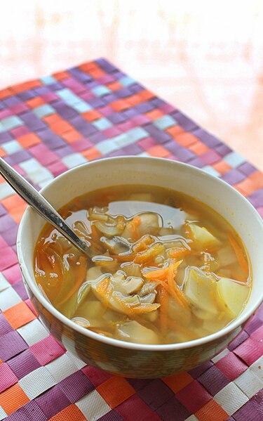 File:Mushroom and potatoes soup2.jpg