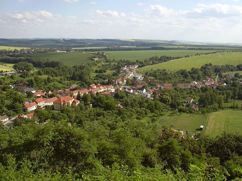 File:Nemojany (Vyškov- czech republic).JPG
