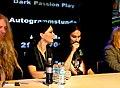 Nightwish em sessão de autógrafos-2.jpg