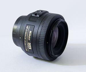 Nikon AF-S DX Nikkor 35mm f/1.8G - Image: Nikkor 35mm 1.8G