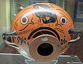 Nikosthenes, kylix a occhioni con leoni e pantere che azzannano un cerbiatto, attica, 530-520 ac ca. 01.JPG
