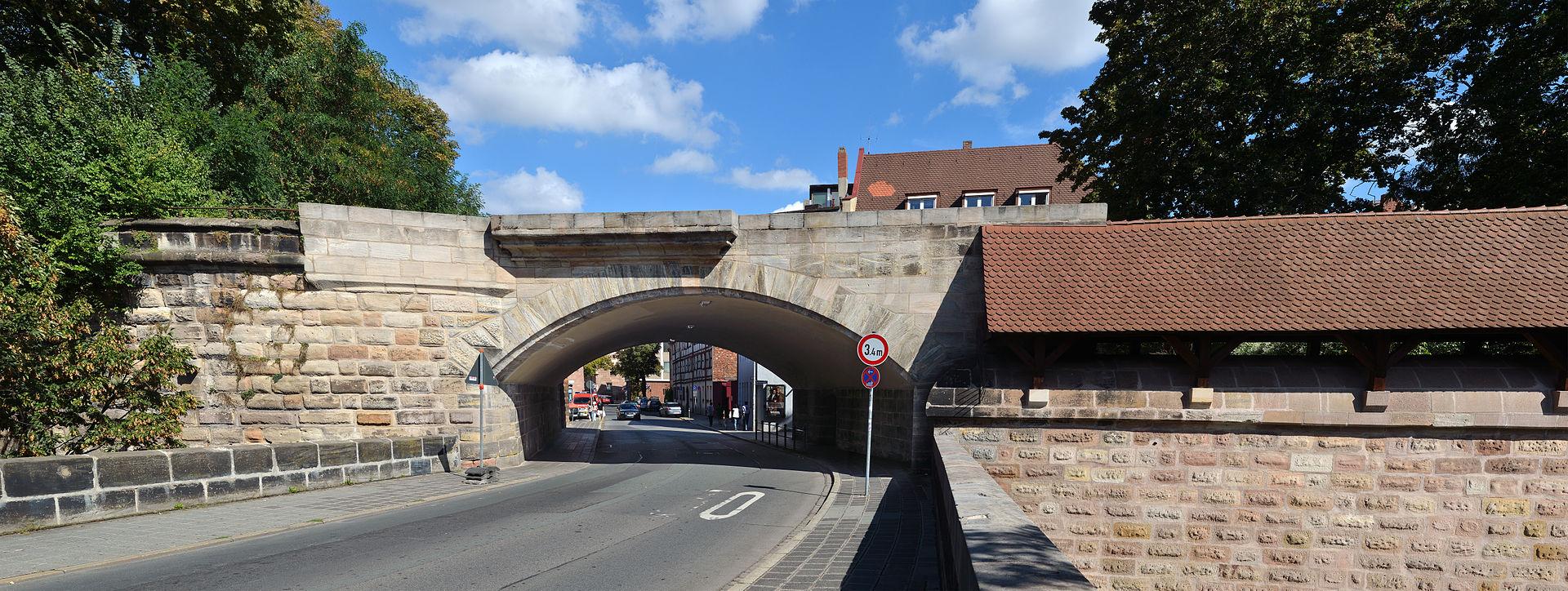 1920px-Nuremberg_-_Fuerther_Tor_%28aka%29.jpg