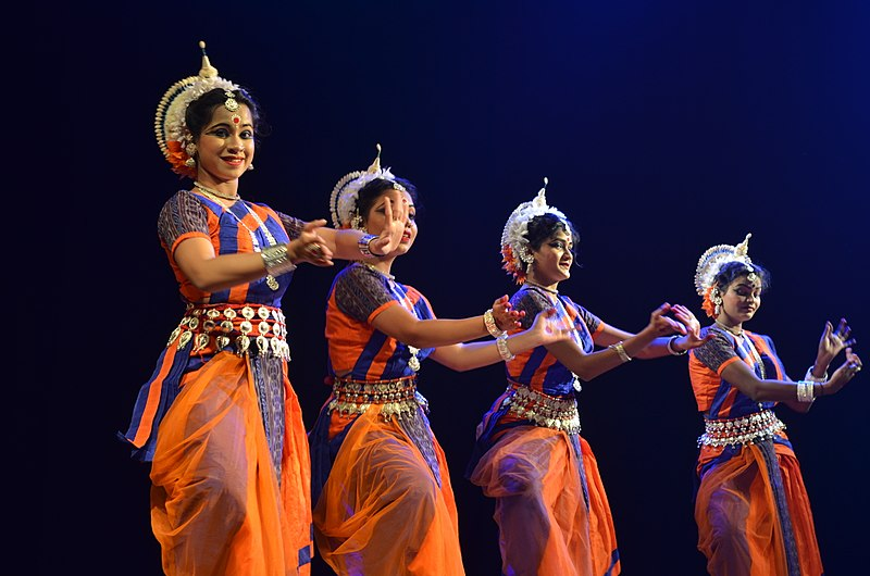 File:Odissi dance performance 14.jpg