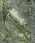 Osaka International Airport Aerial photograph 1985.jpg