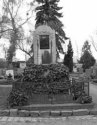 Otto ludwig grave.jpg