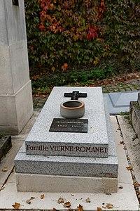 Père-Lachaise - Division 74 - Blondin 03.jpg