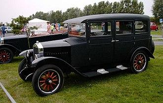 Gustaf Larson - c. 1929 Volvo PV4, the covered version of ÖV4.