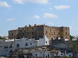 Palagianello - Castello e casegrotte.jpg