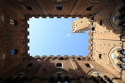Palazzo Pubblico, Cortile del Podestà, Piazza del Campo, Siena
