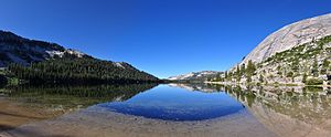 Tenaya Lake - Image: Panorama Tenaya Lake Mariposa County, California agosto 2011