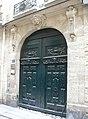 Paris - 16 rue Saint-Sauveur - porte côté.jpg
