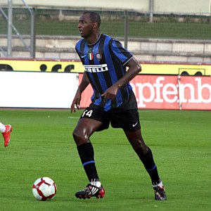 Patrick Vieira - Vieira playing with Inter