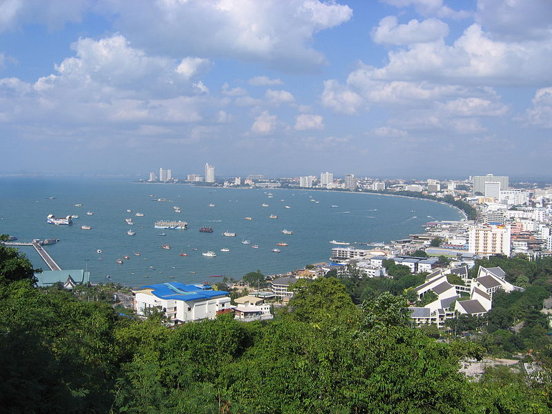 File:Pattaya beach from view point.jpg