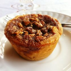 Pecan butter tart, May 2011.jpg