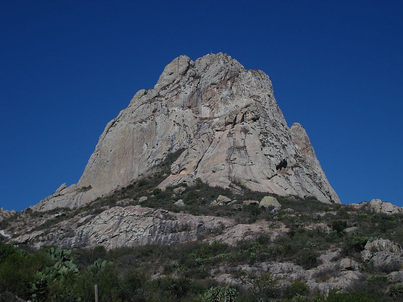 File:Pena de bernal 2006.jpg