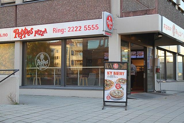 Владельца маленькой пиццерии в Нестведе заставляют изменить её название
