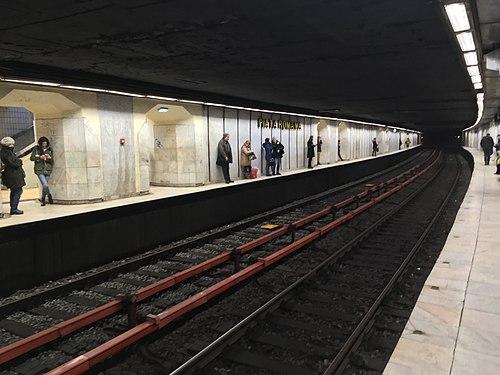Piața Romană Metro station, Bucharest (46410498961).jpg