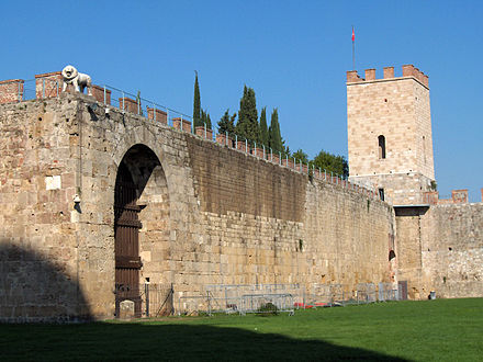 New city walls, erected in 1156 by Consul Cocco Griffi Pisa.Campo.wall.jpg