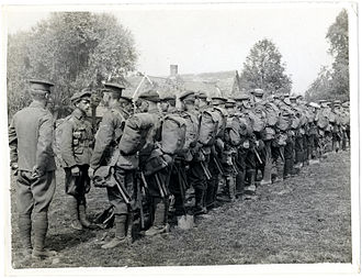 1908 Pattern Webbing - Soldiers from the Leicestershire Regiment in Full Marching Order. The valise or large pack is being worn and the haversack can be seen on the left side. The entrenching tool helve and bayonet scabbard can also be seen.