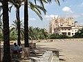 Plaza with Cathedral - Palma de Mallorca - Mallorca - Spain (14305012247).jpg