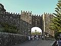 Porta principal Monterreal - Baiona.JPG
