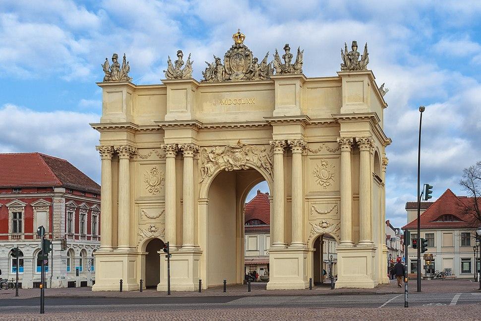 Potsdam - Brandenburger Tor - Feldseite - 2013