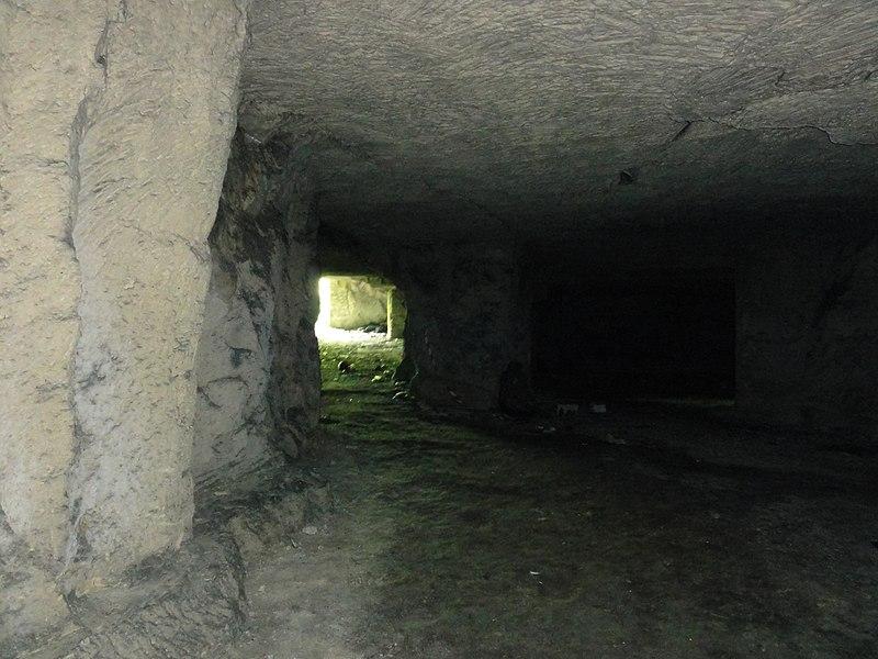 Presles-et-Boves (Aisne) Carrière souterraine