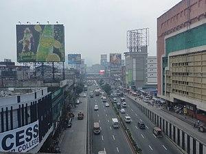 Quezon Boulevard - Quezon Boulevard looking south towards Plaza Miranda.