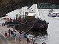 Rašínovo nábřeží, Palackého most, restaurační loď Captain Morgan (01).jpg