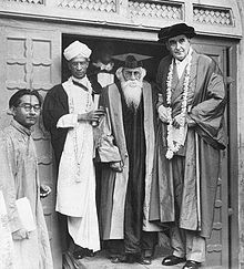 Rabindranath Tagore With Sir Maurice Gwyer and Dr. S. Radhakrishnan at Sinha Sadan after the Oxford University Convocation on 7 August 1940.jpg