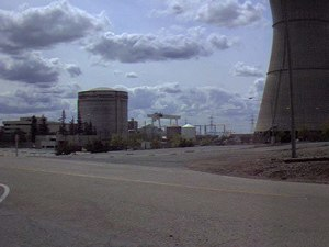 Pressurized water reactor - Rancho Seco PWR reactor hall and cooling tower (being decommissioned, 2004)