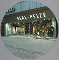 Real Pelze, J. Mahlo, Berlin-Friedenau, Rheinstraße 35, nach dem Umbau.jpg