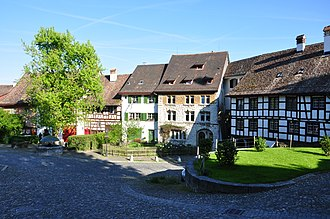 Regensberg Castle - Oberburg and the water well