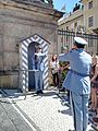 Relève de la garde du Château de Prague – 2.jpg
