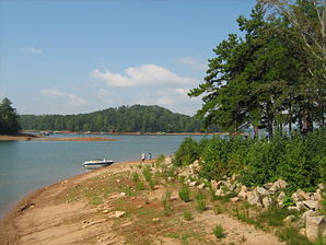 Der Lake Lanier im River Forks Park in Gainesville