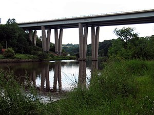 Hylton Viaduct - Image: River Wear 20070702 Hylton Viaduct 01