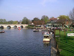 River Avon, Warwickshire - The Avon in Stratford-upon-Avon on a sunny day
