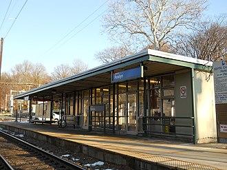 Roslyn, Pennsylvania - Image: Roslyn Station, Roslyn PA 02