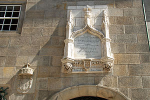 Casa do Infante - The Neo-manueline plaque marking the birthplace of the Infante D. Henrique, later referred to as Henry the Navigator