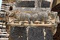 Saccargia, portico, capitello con vacche, 01.JPG