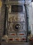 San vitale, ravenna, int., monumento funebre 01 con rilievo romano del trono di nettuno, a sx colonna breccia verde egiziana.JPG