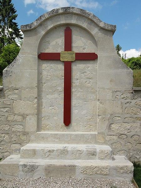 Sancy-les-Cheminots (Aisne) jardin de mémoire croix Constante et Bruno Garibaldi