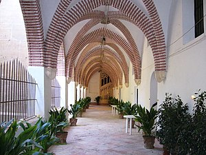 Valencian Gothic - Cloister of the Monastery of Sant Jeroni de Cotalba, in Alfauir (Valencia).