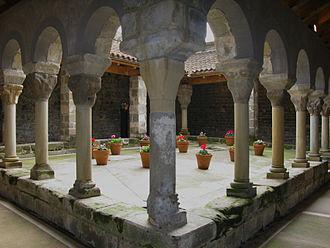 Sant Pere de Casserres - Cloister