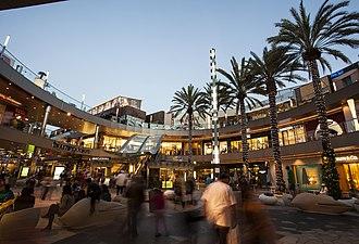 Santa Monica Place - Image: Santa Monica Place Macerich