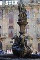 Santiago de Compostela - Fontana davanti alla cattedrale - panoramio.jpg
