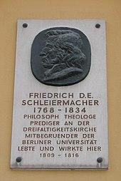 Gedenktafel am Predigerhaus der Dreifaltigkeitskirche in Berlin (Quelle: Wikimedia)