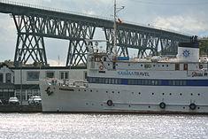 Schleswig-Holstein, Hochdonn, Fähranleger am N-O-Kanal; das Motorschiff Brahe lag dort als Hotelschiff für Wacken Open Air 2015 NIK 5373.jpg